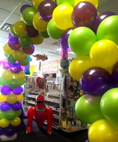 Balloon arch in Sugar Snap store